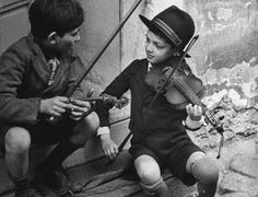 Learning violin may 'ease mental illness in children'