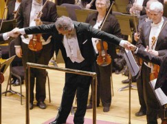 CSO_Langree_4322-2_Courtesy-of-the-Cincinnati-Symphony-Orchestra