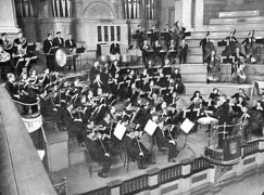 Meet the New York(shire) Philharmonic