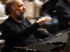 Breaking: Great pianist retires