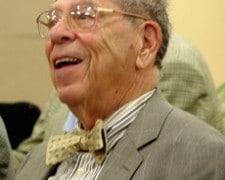 Veteran US critic dies, aged 93