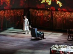 Last-minute substitution at La Scala opening
