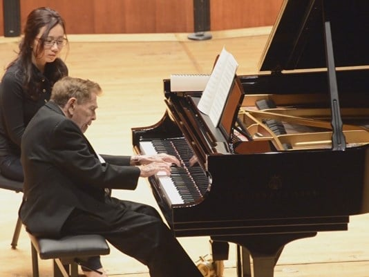 Pianist, 97, is back on circuit after breaking hand in road accident