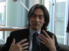 Maestro stays: Hamburg will hear Kent Nagano until 2025