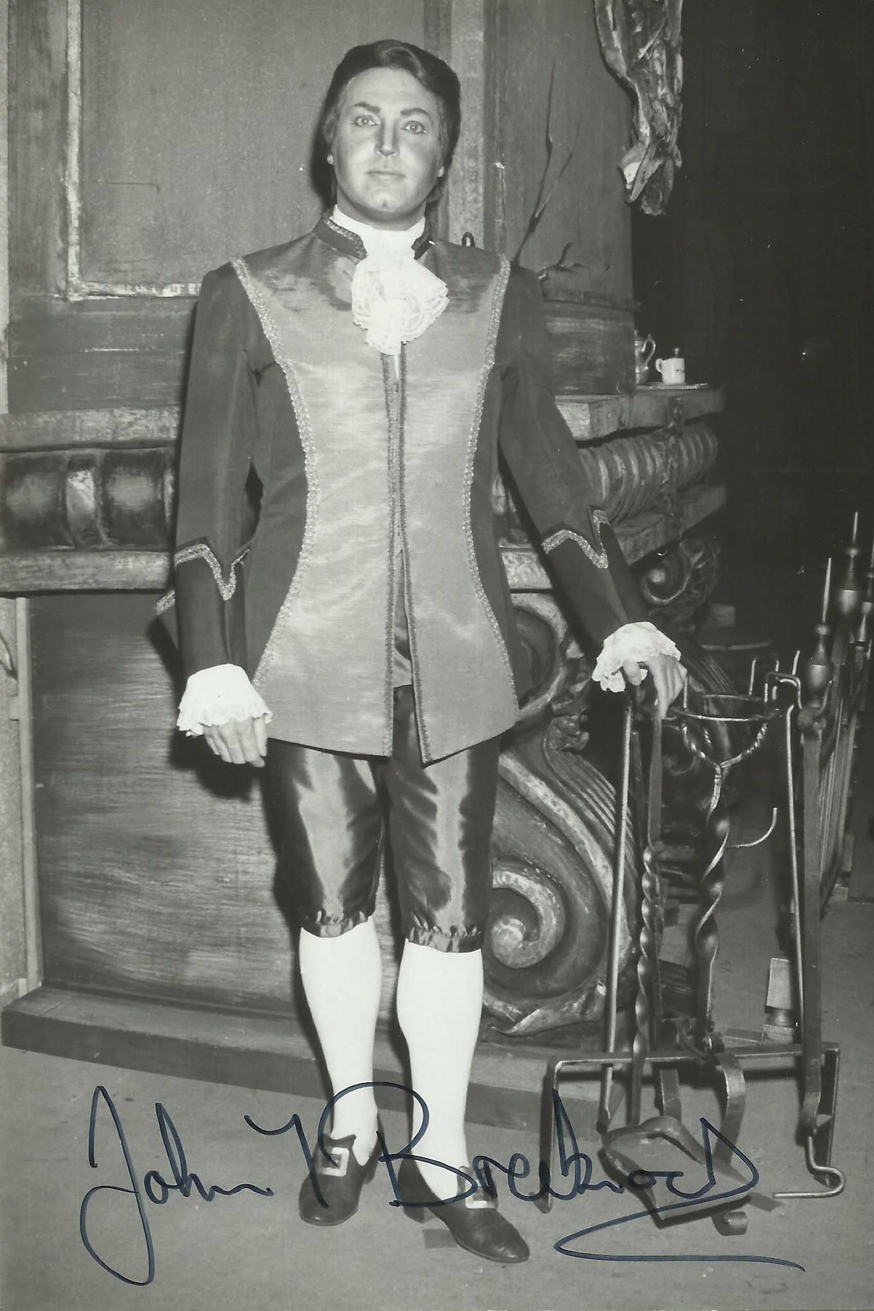 Death of an English tenor, 79