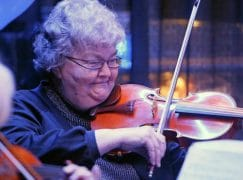 Violist retires after 59 years in orchestra